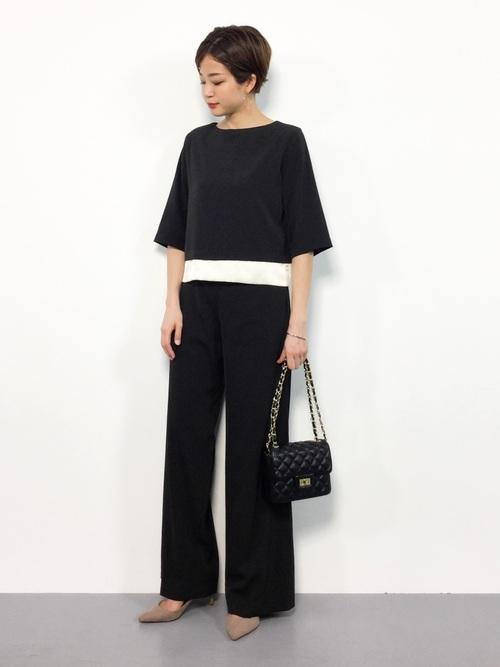 背が低い女性パンツドレス